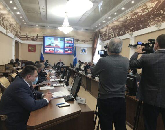 На аппаратном совещании глава региона Сергей Морозов заявил, что эпидемиологическая ситуация в регионе накаляется