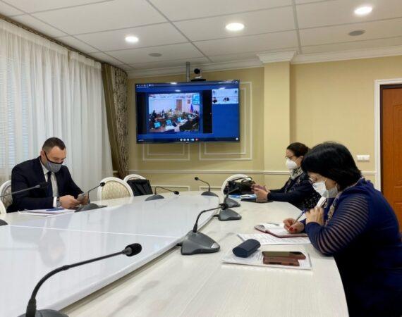 На штабе по развитию региона губернатор Сергей Морозов озвучил несколько кадровых решений. Он расширяет штат регионального минздрава и вводит дополнительные ставки заместителей главы ведомства. Также в регионе вновь появится должность главного эколога.